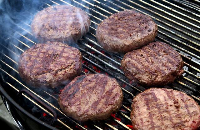 最近料理に入れる肉はすべて挽き肉で事足りるのではと感じ始めた秋