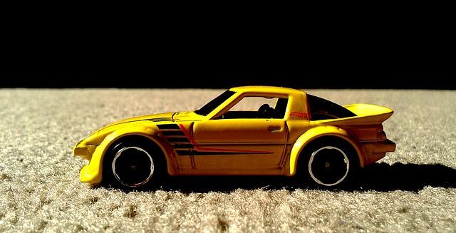 ディーラーは修理時に貸し出す代車を新車にすると車が売れやすくなると思うんだ
